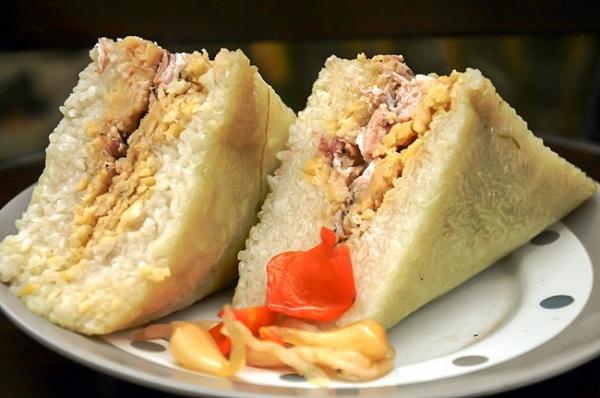 Bánh chưng Nhật Lệ