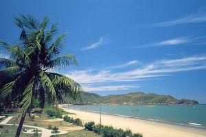Vé máy bay giá rẻ ngắm biển đảo Quy Nhơn