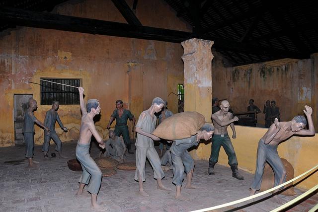 Mô phỏng cảnh nhà tù Phú Quốc ngày xưa