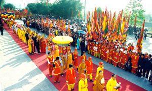 Hành hương tham dự lễ hội xuân Côn Sơn Kiếp Bạc