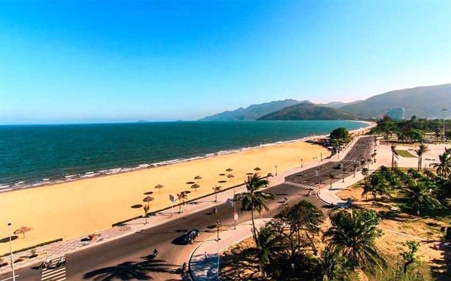 Bãi biển trung tâm Quy Nhơn