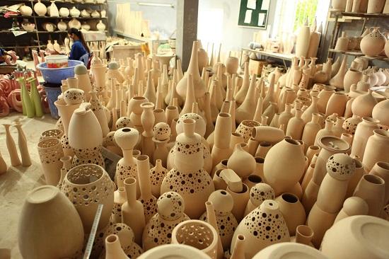 Những món đồ gốm tinh xảo với nhiều kiểu dáng đa dạng