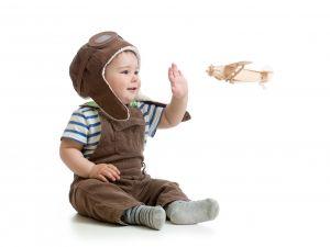 Trẻ sơ sinh đi máy bay cần giấy tờ gì, chuẩn bị ra sao ?